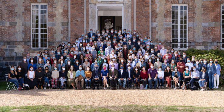 Photo de groupe de toute l'équipe de l'École alsacienne, 1er septembre 2020, en journée pédagogique.